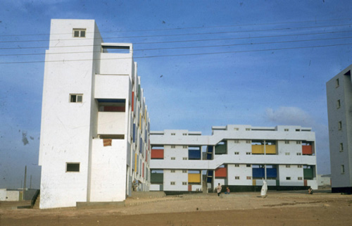 Cité Verticale im Carrières Centrales, ATBAT-Afrique, Casablanca, 1953 | Courtesy of Avery Library Special Collections, Columbia University, New York