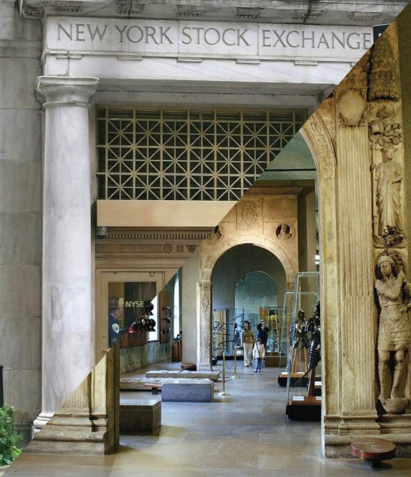 City - Religion - Capitalism | The biggest Stock Exchange in the world / Portal of the banking house of the Medici familiy, 15th century | Ad Meskens, CC BY-SA 3.0/ Giovanni Dall ' Orto, CC BY-SA 3.0, Collage