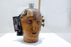 Raoul Hausmann, Mechanical Head (The Spirit of Our Time), around 1920 | Photo: Steven Zucker (CC BY-NC-SA 2.0 / cropped)